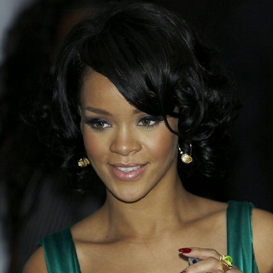 Rihanna Bio, Net Worth, Facts