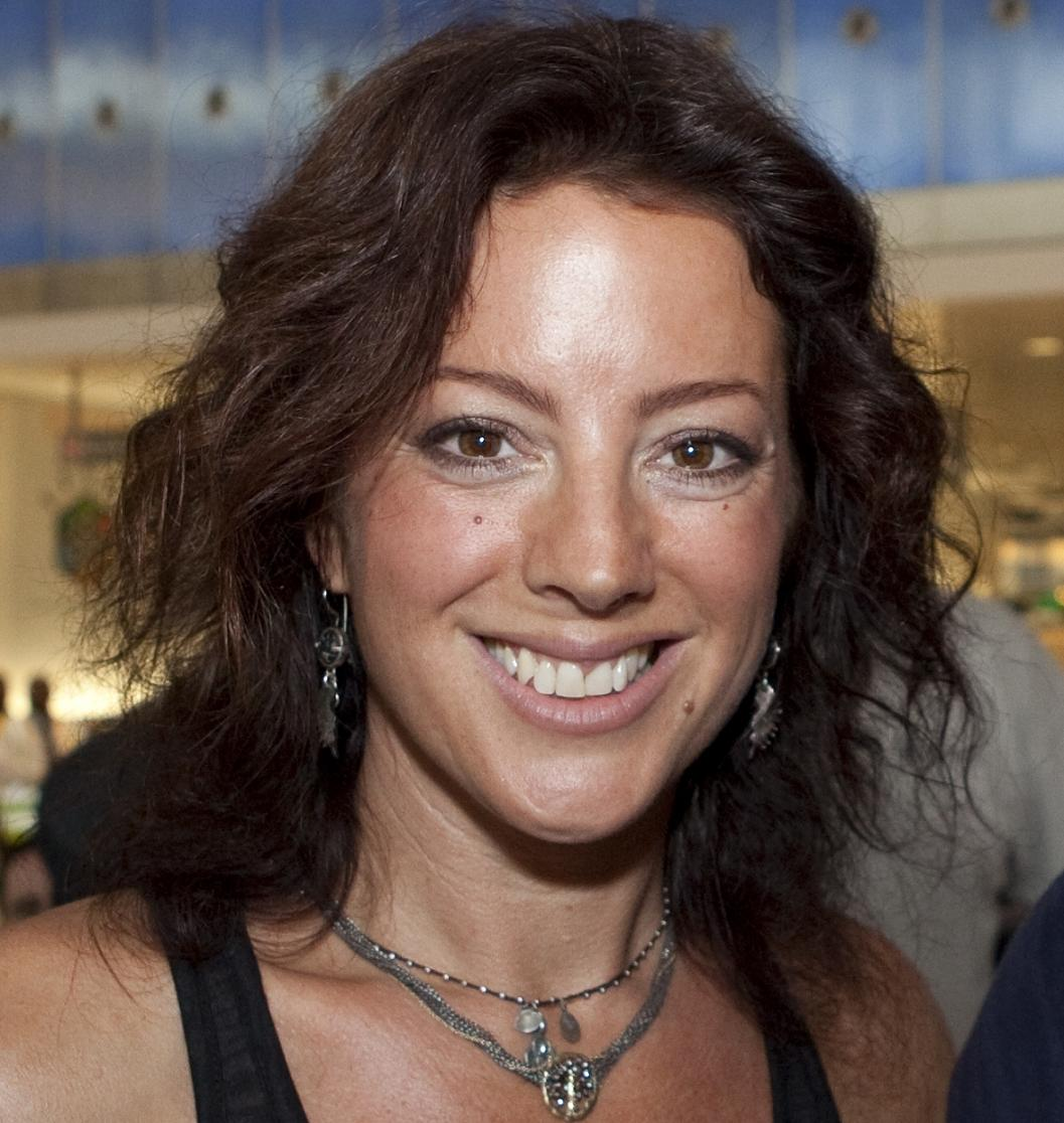Sarah McLachlan Bio, Net Worth, Facts