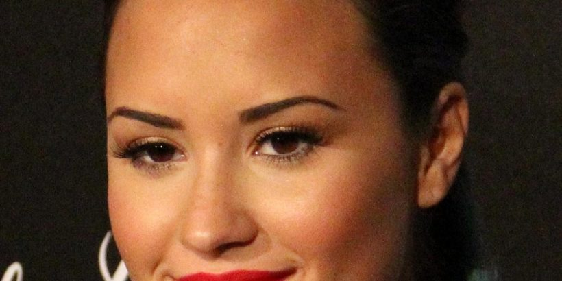 Demi Lovato Bio, Net Worth, Facts