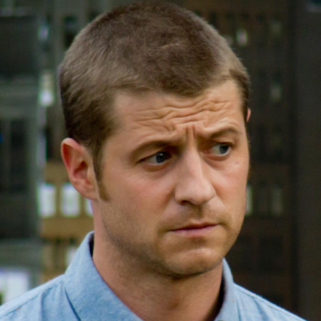 Benjamin McKenzie Bio, Net Worth, Facts