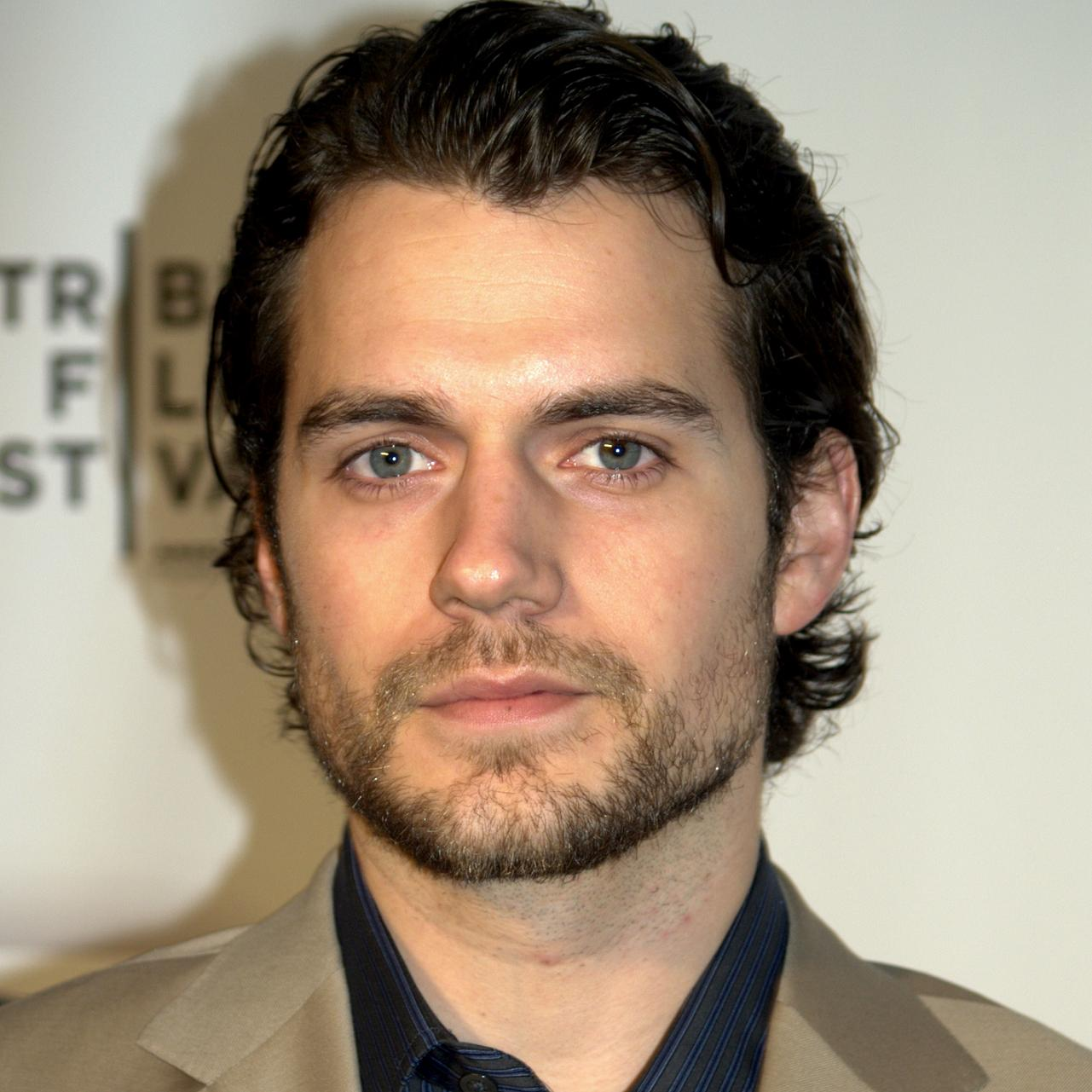 Henry Cavill Bio, Net Worth, Facts