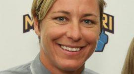 Abby Wambach Bio, Net Worth, Facts