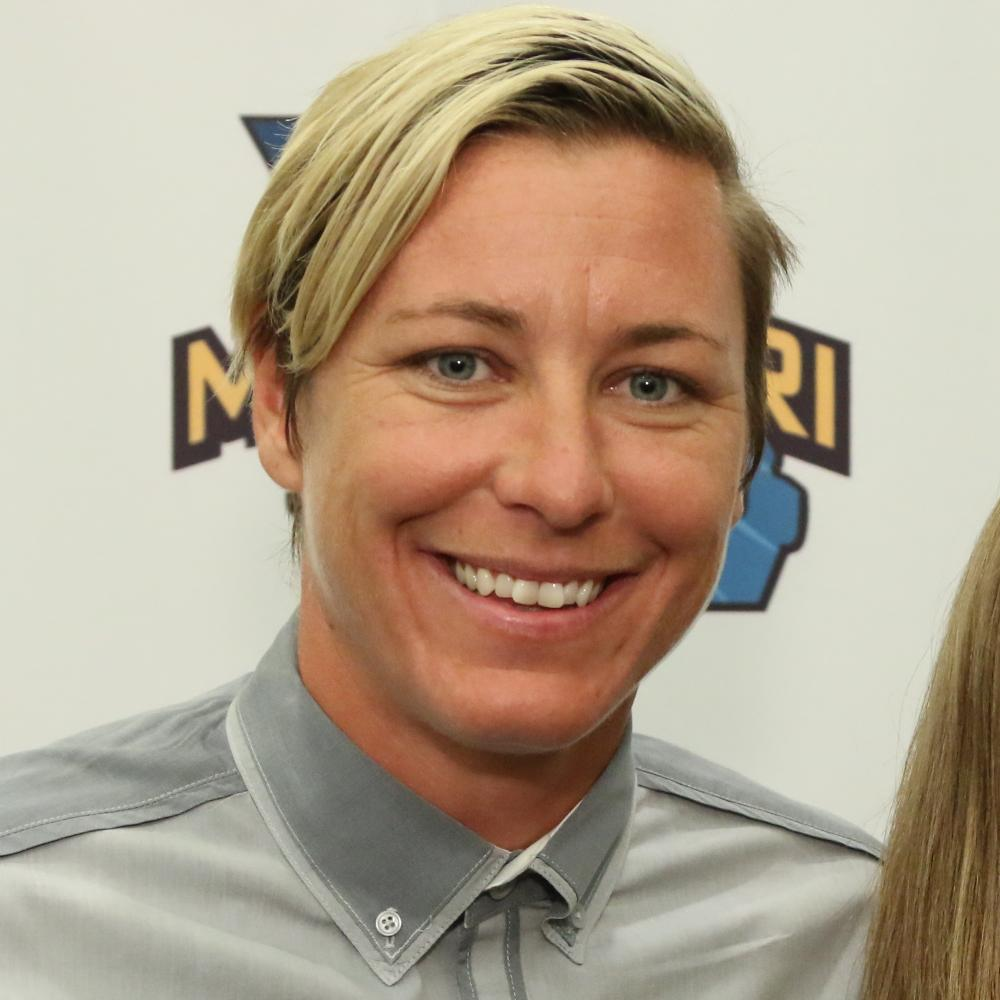 Abby Wambach Bio, Net Worth, Facts