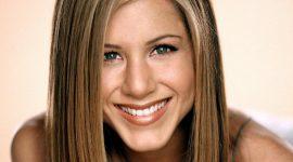 Jennifer Aniston Bio, Net Worth, Facts