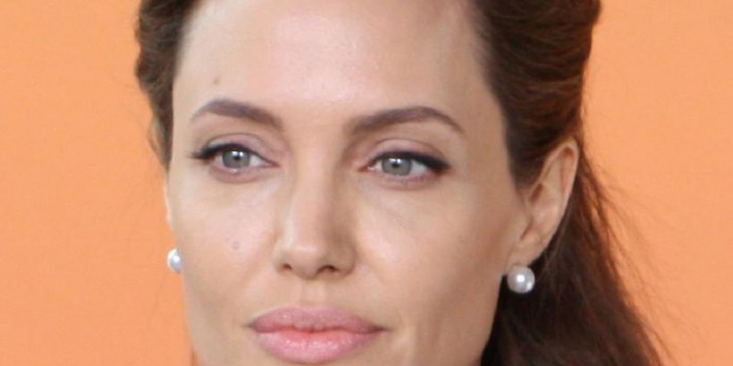 Angelina Jolie Bio, Net Worth, Facts