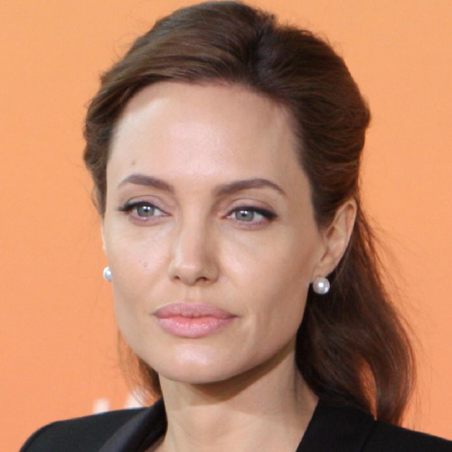 Angelina Jolie Bio, Net Worth, Facts