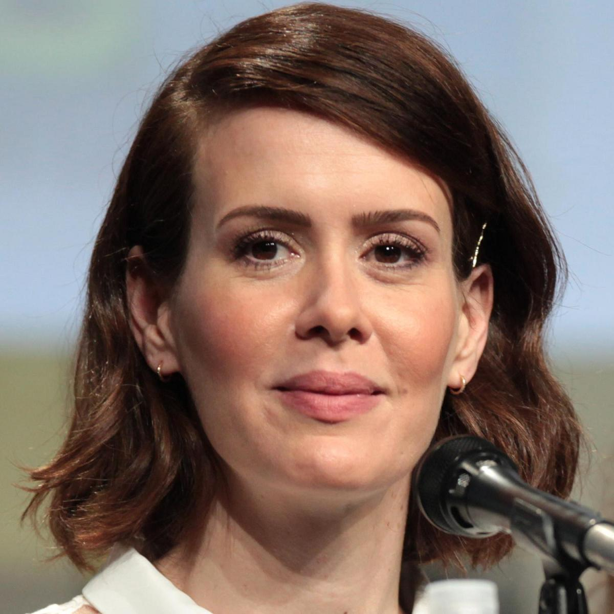 Sarah Paulson Bio, Net Worth, Facts