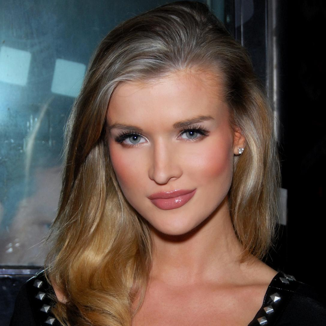 Joanna Krupa Bio, Net Worth, Facts