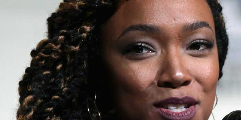 Sonequa Martin-Green Bio, Net Worth, Facts