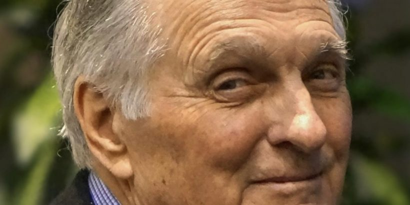 Alan Alda Bio, Net Worth, Facts
