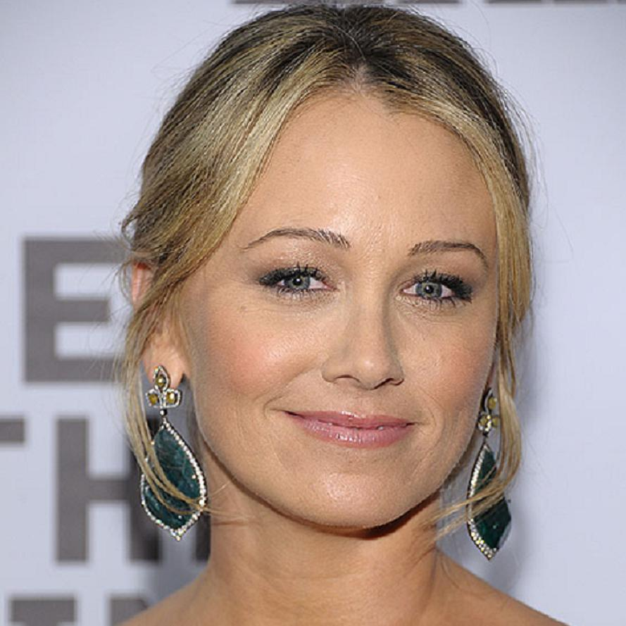 Christine Taylor Bio, Net Worth, Facts