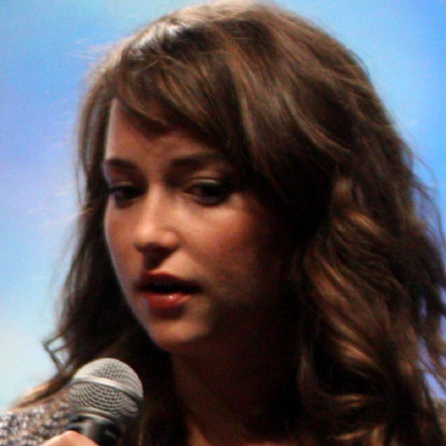 Milana Vayntrub Bio, Net Worth, Facts
