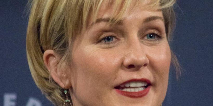 Amy Carlson Bio, Net Worth, Facts
