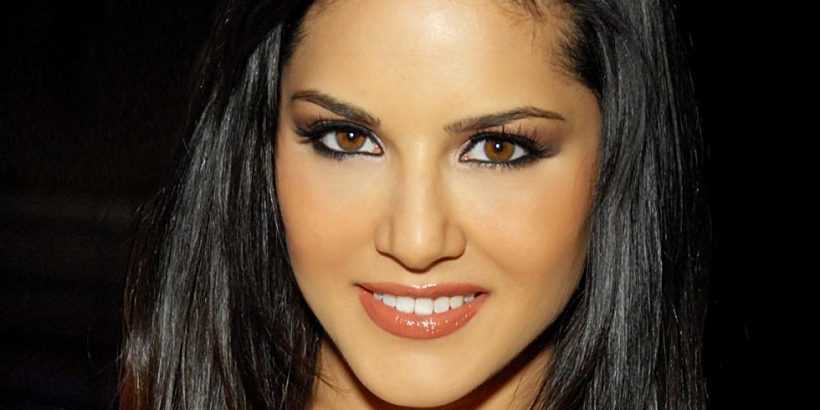 Sunny Leone Bio, Net Worth, Facts